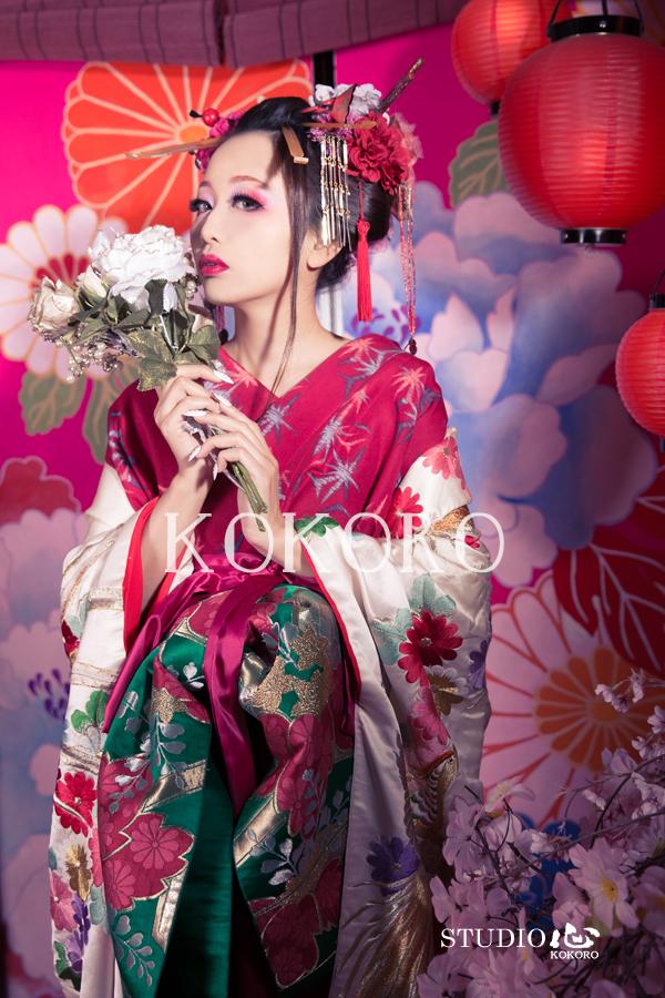 京都 嵐山 花魁体験 ピンク背景 ガーリー