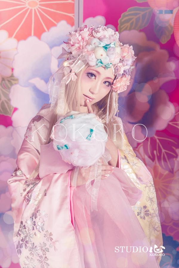 京都 花魁体験 ピンク背景 着物